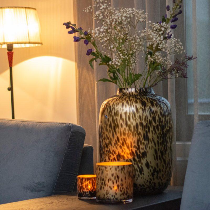 Artic cheetah vase gold